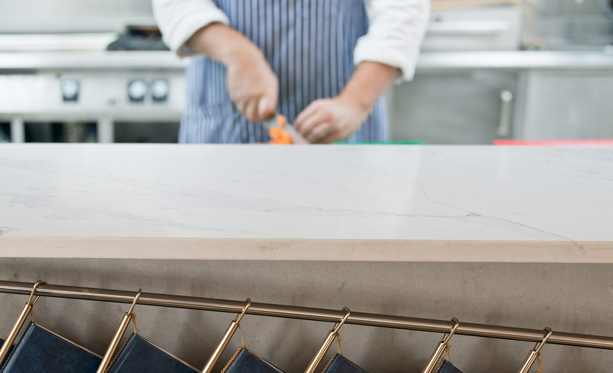 Unique Calacatta en una encimera de cocina